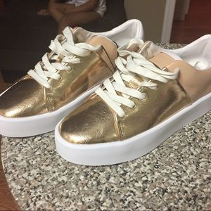 ZARA rose gold sneakers. size 5.